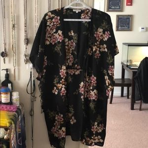 Maurices Other - Maurices kimono // size s/m // black w/flowers